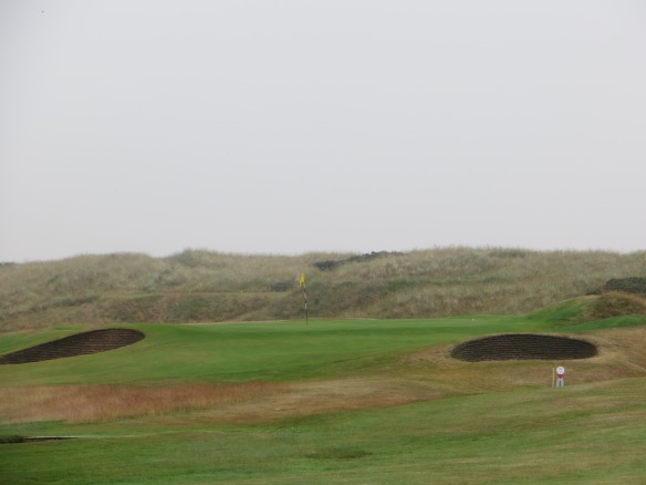 The wind off the sea on #11 makes this short pitch very compelling.