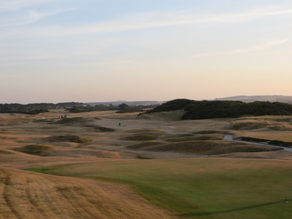 The links features you see here make for some entertaining shot making.