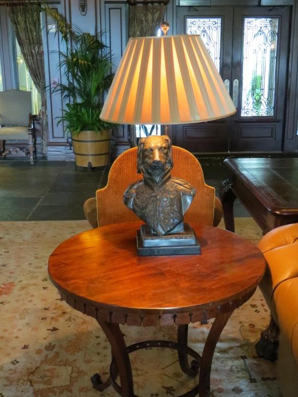 General Dog Lamp